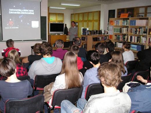 Na početku predavanja (foto: Zoran Kovač)